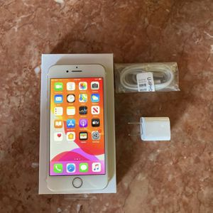 Unlocked iPhone 7 32 GB in Gold (T-Mobile, MetroPCS, AT&T, etc.) for Sale in Ontario, CA