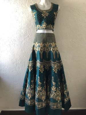Emerald & Gold Two-Piece Indian Outfit for Sale in Dearborn, MI