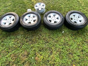 """Wheel Part Number: OW9074A 2007-2018 Jeep Wrangler Size: 17"""" x 7.5"""", 5 Lug, 5"""" Bolt Pattern Finish: Silver Description: Used 5 Spoke OEM Alloy Wheels for Sale in Aurora, IL"""