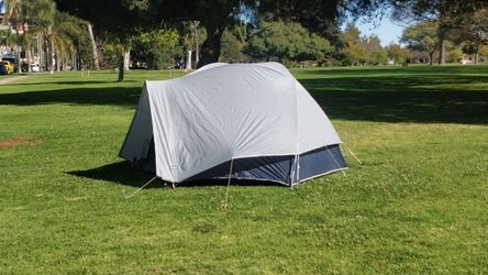 THE NORTH FACE Windy Pass VE24 2-3 Person 4-Season Tent Backpacking Hiking Camping for Sale in San Diego,  CA