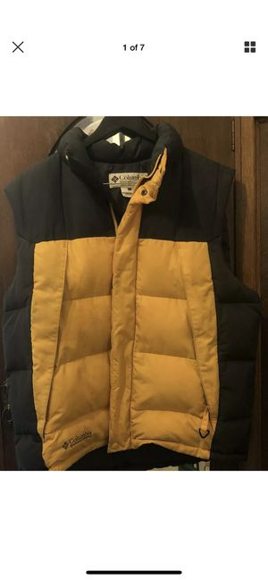 Mens Columbia Large Yellow Vest for Sale in Kensington, MD