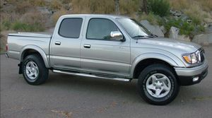 Automatic Truck 2004 T0Y0TA Tacoma AWDWheelss Very clean for Sale in Washington, DC