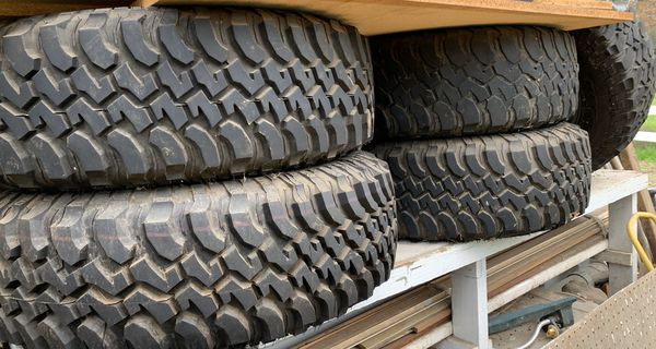 2012 Jeep Wrangler Rubicon stock rim with wheels