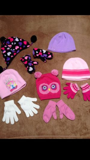 Toddler Girls hat and mittens sets/$5 all, available for Sale in Federal Way, WA