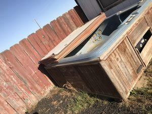 Free hot tub for Sale in Caruthers, CA