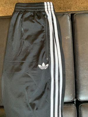 Men's adidas originals sweats size medium for Sale in Fremont, CA