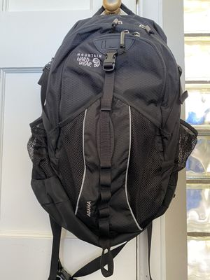 Mountain Hardware backpack- Agama daypack for Sale in Seattle, WA