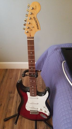 Starcaster electric guitar with speaker for Sale in Redwood City, CA