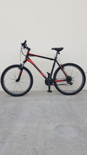 "GIANT BIKE SIZE TIRE 26"" SIZE FRAME 18"" for Sale in Fountain Valley, CA"