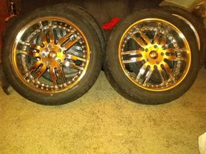 22 inch chrome Giovanna rims for Sale in Aurora, OH