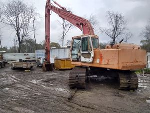 220 l-3 Daewoo excavator for Sale in Houston, TX