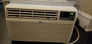 6000btu Air conditioner for Sale in Chicago, IL