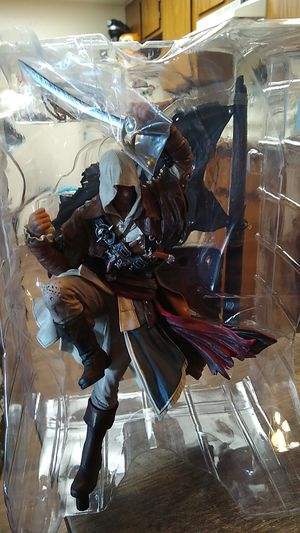 Assassin's Creed Black flag statue plus collectibles for Sale in Phoenix, AZ