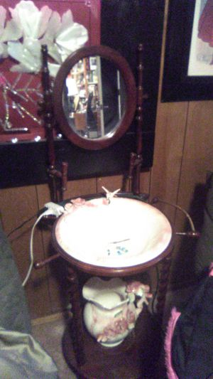 Vint. Cherry wood stand with hummingbird wash basin and pitcher for Sale in Magna, UT