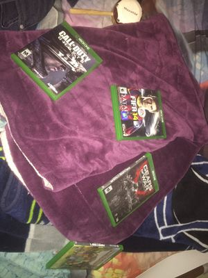 4 games Xbox one they all work switch to ps4 for Sale in Phoenix, AZ