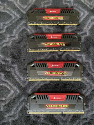 Corsair Vengeance Pro Series Ram 32GB DDR3 2400 HZ for Sale in Selma, CA