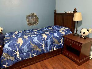 Kids bedroom set, twin bed, kids dresser, nursery for Sale in Tampa, FL
