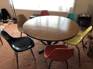 """60"""" table with wood grain Formica top and sturdy base for Sale in Philadelphia, PA"""