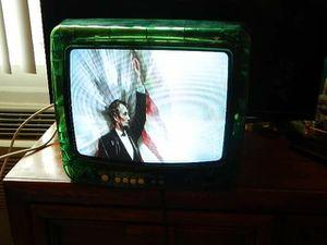 """RCA 13"""" Color CRT TV Green Plastic Case for Sale in Carol Stream, IL"""