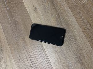 iPhone 7 32 gig for T-Mobile or metro for Sale in Clearwater, FL