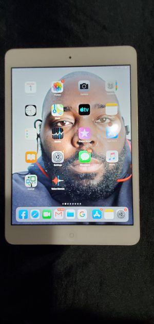 Ipad mini 2 32gb for Sale in FAIRMOUNT HGT, MD