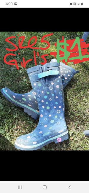 Girls size 5 boots big girl for Sale in Saint Thomas, PA
