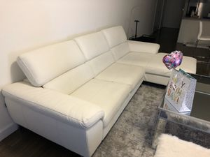 Sectional sofa white for Sale in Miami, FL