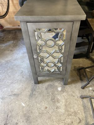 2 end tables 17x17 for Sale in Spring, TX