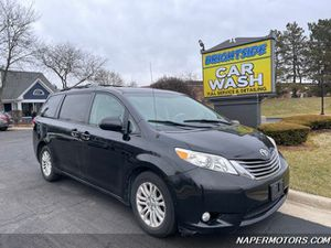 2011 Toyota Sienna XLE 8-Passenger for Sale in Naperville, IL
