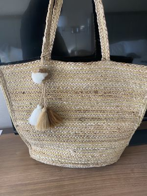 America & Beyond Gold Lurex Straw Tote MSRP $108 for Sale in Salt Lake City, UT