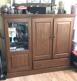 TV entertainment console ***FREE*** for Sale in Bonney Lake, WA