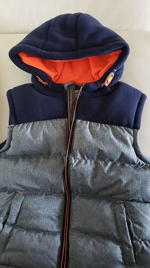 Beautiful, like new puffer vest for Sale in Alexandria, VA