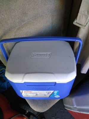 A small blue cooler great for a lunch box or a small picnic I mean Lakewood Ohio for Sale in Lakewood, OH