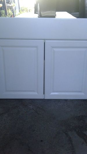 Kitchen or bathroom cabinet face for Sale in Los Angeles, CA