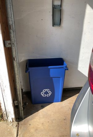 Recycle can for Sale in Sacramento, CA
