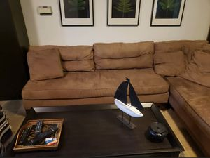 Brown sectional couch free delivery for Sale in Plano, TX