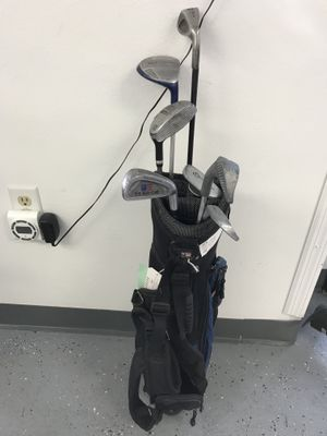 7 Assorted Youth Golf Clubs In Bag $14.99 for Sale in Tampa, FL