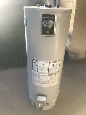 Bradford white 40 gallon tall gas hot water heater. Can be installed and delivered for a fee. Works great for Sale in Jenkintown, PA