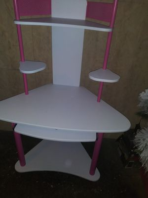 Girls Desk for Sale in Arnold, MO