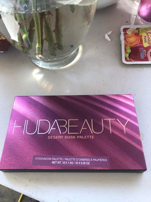 Huda beauty palette for Sale in Los Angeles, CA