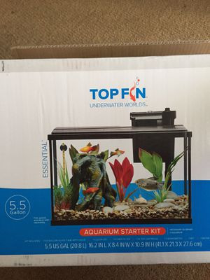 Fish tank 5.5 gallons for Sale in Long Beach, CA