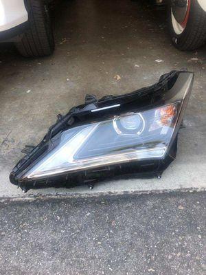 Lexus head light for Sale in Irwindale, CA