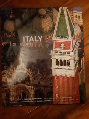 Italy From Above - Hard cover - Like New for Sale in Bay Point, CA