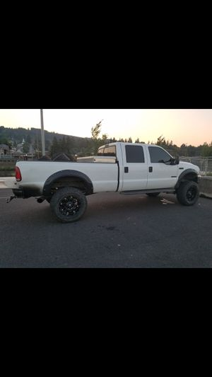 2004 f350 crew cab on 37s 6speed for Sale in Moore, MT
