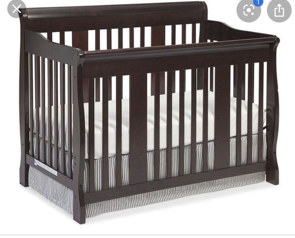 Free baby crib for someone who really needs it