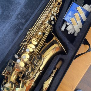 Gold Alto Saxophone with New Set of Reeds Excellent Condition $350 Firm for Sale in Arlington, TX