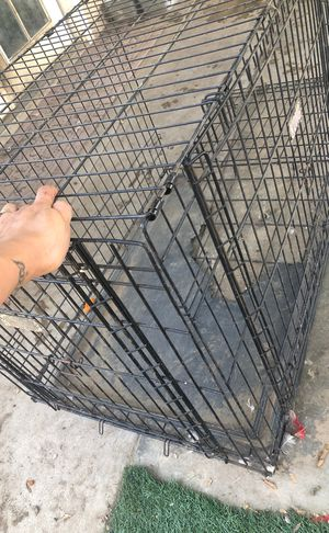 Dog crate for Sale in Fresno, CA