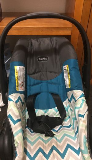 Baby Car seat for Sale in Milwaukee, WI