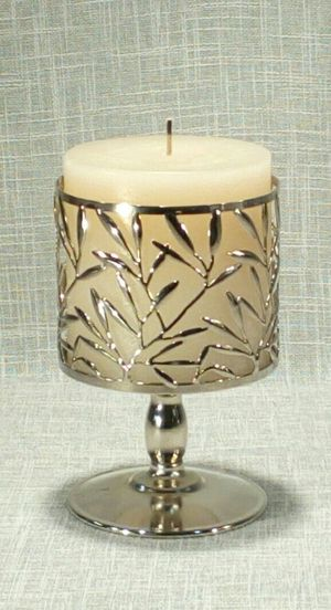 """Metal Filigree Candleholder with Candle , 7""""x4"""" *PICKUP ONLY* home decor, household for Sale in Mesa, AZ"""