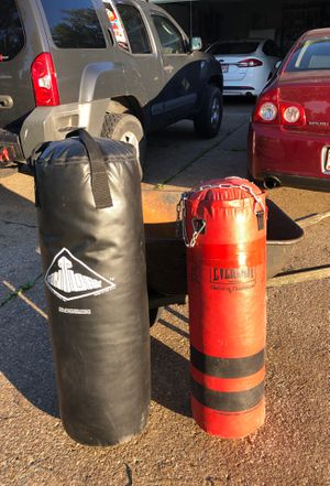 Punching bags for Sale in Grafton, OH